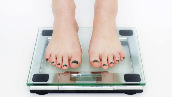 プロテイン飲みすぎは太る?